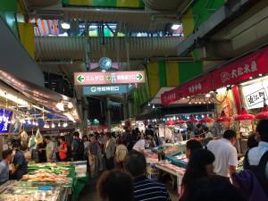 Komachiトラベル:近江町市場の活気